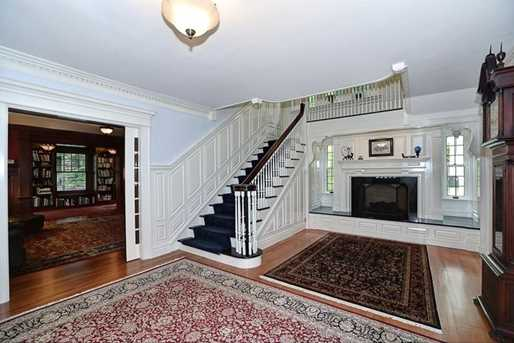 1120 Harvard Road - Photo 4