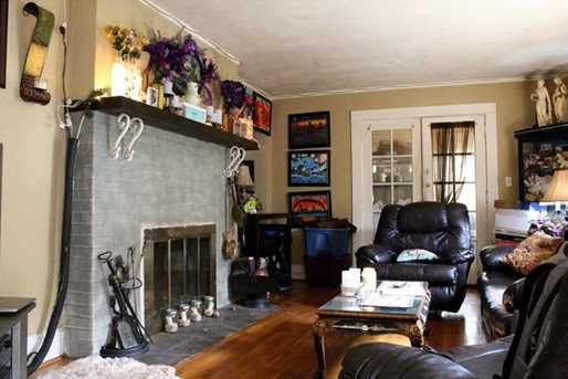 1227 N Sheridan Ave - Photo 8