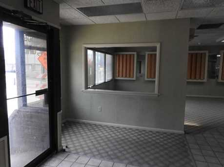 105 N Main St - Photo 2