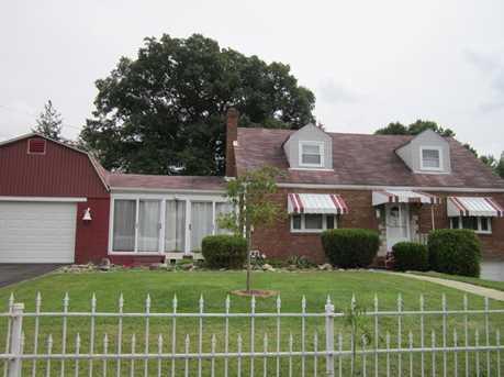 301 Eastern Drive - Photo 1