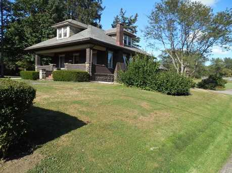 1397 Perry Highway - Photo 2