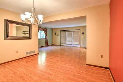 601 Forest Edge Ct - Photo 2