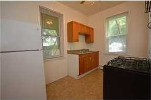 1626 Middle Rd - Photo 4