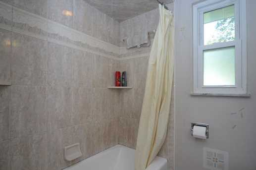 810 6th Ave - Photo 14