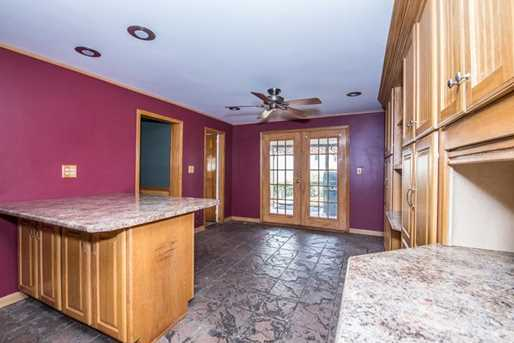 2124 Middle Rd - Photo 8