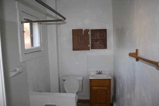 405 Lexington St - Photo 12