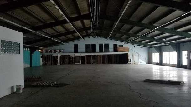 3200 Industrial Dr - Photo 4