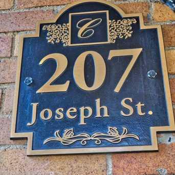 207 Joseph St - Photo 4