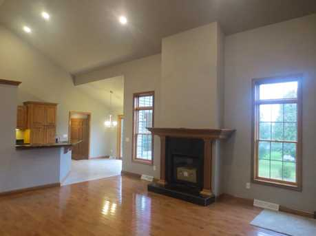 4055 Cambridge Drive - Photo 4