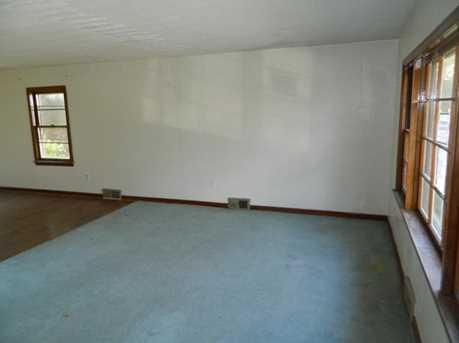 571 Hystone Ave - Photo 4