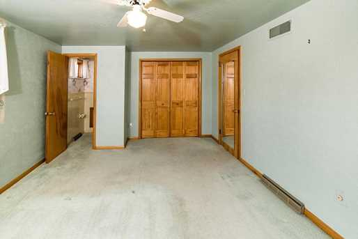 1148 Chapel Dr - Photo 12