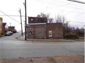 2222 Webster Ave - Photo 1