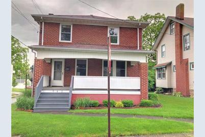 945 Hall Ave - Photo 1