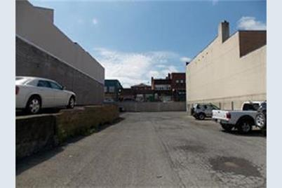 430 Lawrence Avenue - Photo 1