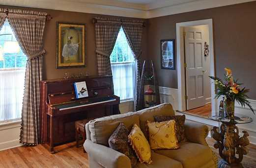 1481 Hollow Tree Dr - Photo 4