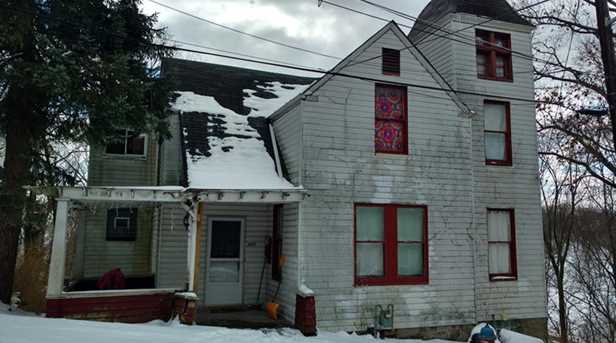 445 Kennedy Ave - Photo 1