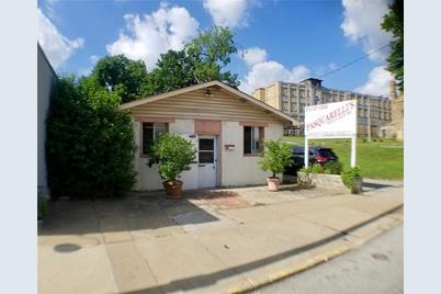 824 Chartiers Ave - Photo 1