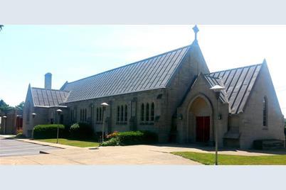 1090 Edgewood Road - Photo 1