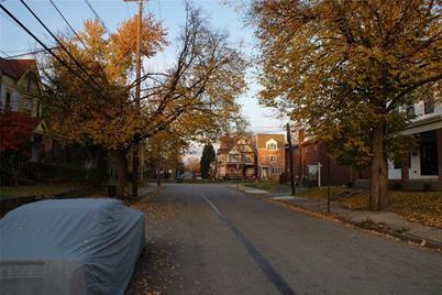 416 N Saint Clair St - Photo 1