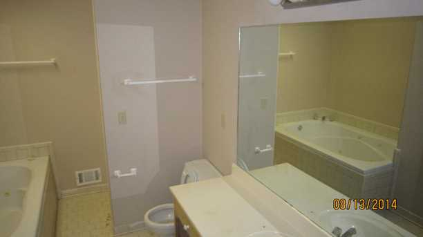 80 Oakview Dr #8 - Photo 4