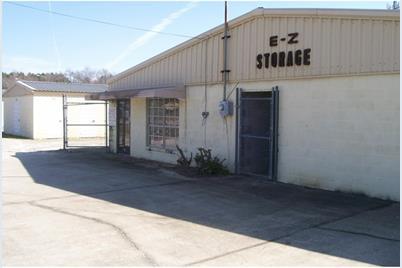 208 Stockyard Rd - Photo 1