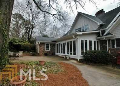 1133 Springdale Rd - Photo 2