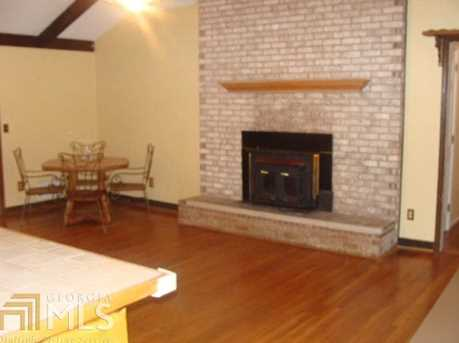 6385 Rockland Rd - Photo 4