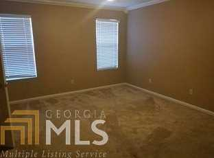 211 Holly Dr - Photo 4