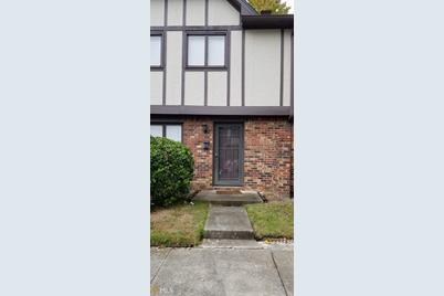 1831 Ashborough Ct SE #G - Photo 1