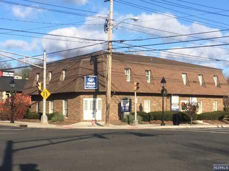 425 Livingston Street - Photo 1
