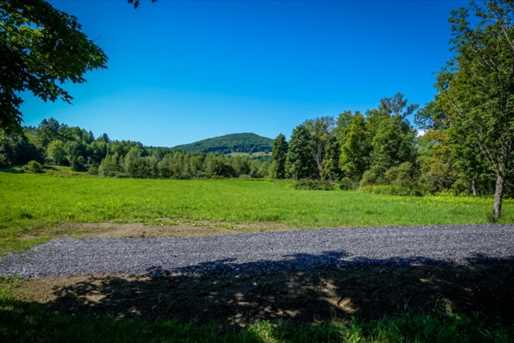 1747 Stowe Hollow Road - Photo 16