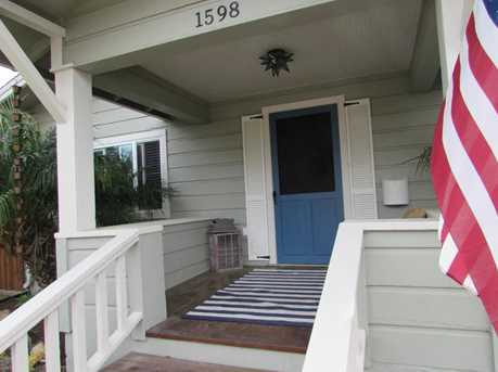 1598 Linden Ave - Photo 1