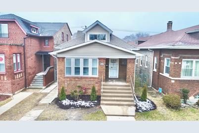 8126 South Champlain Avenue - Photo 1