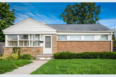 6906 Beckwith Road - Photo 1