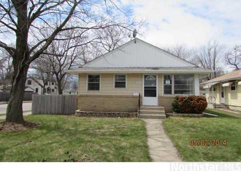 5201 James Ave N - Photo 1