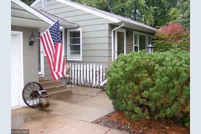 Magnificent 201 Oday Street N Maplewood Mn 55119 Home Interior And Landscaping Ologienasavecom