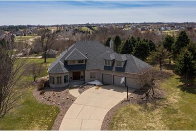 602 Golfview Court - Photo 1