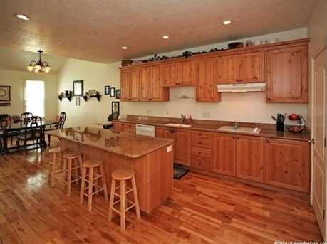 3078 E Somerset N - Photo 6