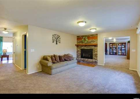 2982 N Indian Hills Dr E - Photo 8