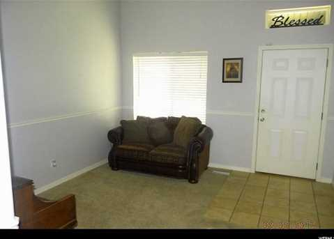 446 E Harvest Moon Dr - Photo 2