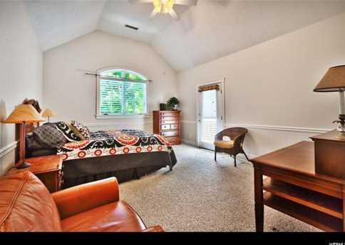 4345 N Stafford Ct E - Photo 28