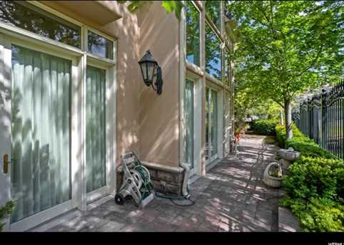 2726 E Wasatch Dr #1 - Photo 36