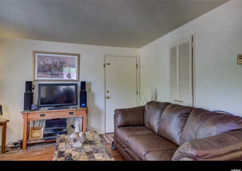 410 Loveridge - Photo 2