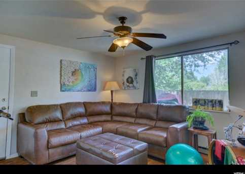 410 Loveridge - Photo 14