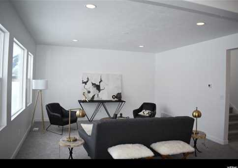 577 S Doubleday  St #10 - Photo 4