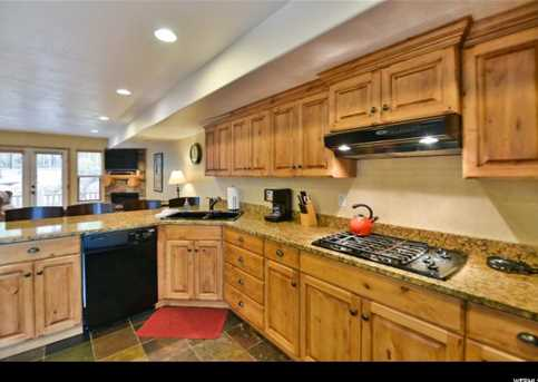 5060 Lakeview Dr #1106 - Photo 8