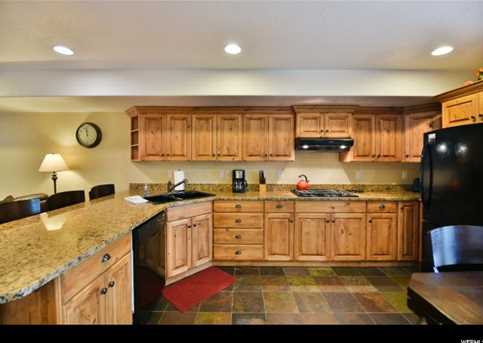 5060 Lakeview Dr #1106 - Photo 6