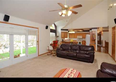 485 Oakview Ln - Photo 6
