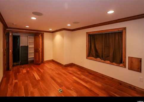 594 E Lincoln Place - Photo 28