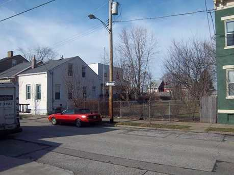 418-422 Watkins Street - Photo 20